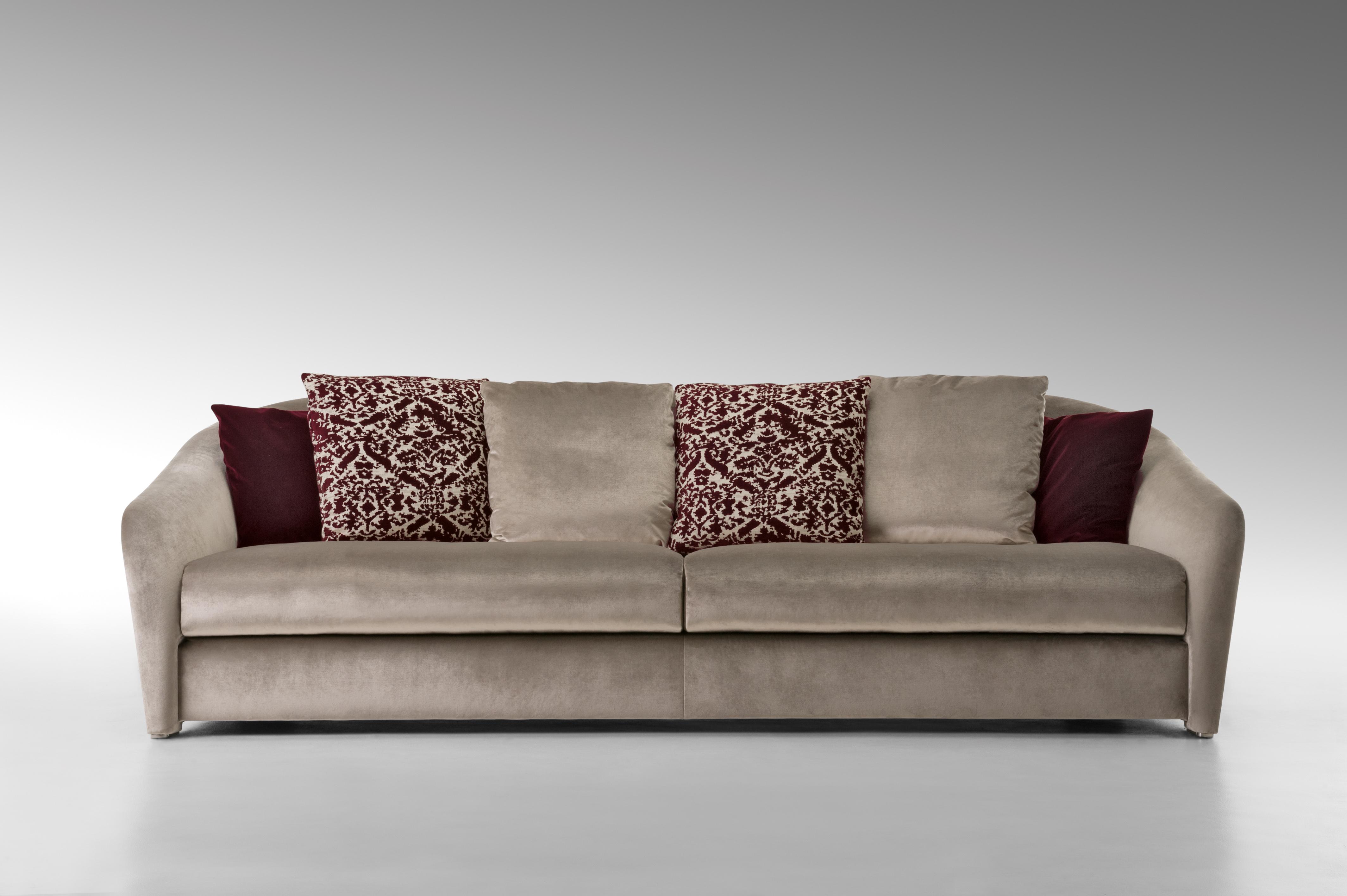 Delightful FF Tiffany Sofa Front